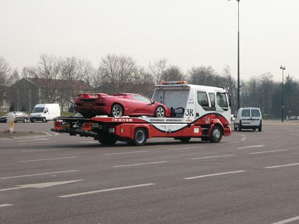 Transport de matériel et d'équipe – Rapatriement véhicule accidenté 77